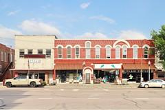 Shop in Hillsboro TX 29.4.2019 0448 (orangevolvobusdriver4u) Tags: 2019 archiv2019 usa america amerika texas hillsboro hillsborotx hillcounty shop geschäft road strasse fassade facades fenster window