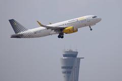 Vueling A320, EC-MER, TLV (LLBG Spotter) Tags: aircraft a320 tlv vueling ecmer airline llbg