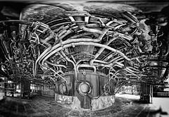 Unter dem Hochofen (Ralf Westhues) Tags: duisburg landschaftsparknord landschaftspark industrie industriepark hochofen gorgo hautfourneau schwarz weis black white noir blanc blastfurnace