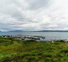 Mallaig & Eigg (Joachim S.) Tags: isleofskye schottland hafen küste mallaig meer panorama scotland unitedkingdom