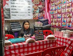 Ratchada Rot Fai night market Din Daeng (15) (walterkolkma) Tags: thailand market bangkok dindaeng rama9 night color vendors shopping thai food stalls kolkma panasonic gx850 gx9
