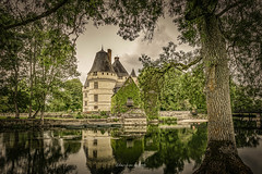 Chateau de L'Islette 2019 (EBoss Fotografie) Tags: cheillé indreetloire frankrijk chateau castle kasteel tree water sky reflection ancient old architecture canon soe twop supershot