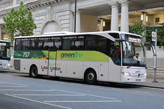 7004 BP17 URM (ANDY'S UK TRANSPORT PAGE) Tags: buses london victoria arrivatheshires greenline 757