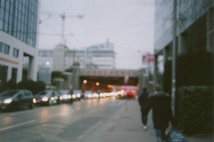 Comme un lundi matin à Part Dieu (Pito Charles) Tags: analog analogcamera filmcamera filmisnotdead film vintage vintagecamera france french filmroll argentique appareilargentique olympus mju olympusmju fuji fujifilm 400 proh lyon city ville street streetphotography train rail gare