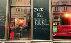 Zwickl statt Kickl (stefan aigner) Tags: austria bar blackboard ginsberg oesterreich österreich pub vienna wien