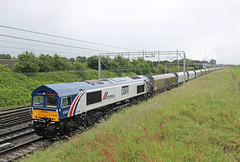 66780 (Gronk 08) Tags: 66780 cemex livery casey lane basford hall crewe cheshire stone train class 66 gb rail freight