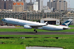 B-HLV Cathay Pacific Airbus A330-343 (阿樺樺) Tags: bhlv cathaypacific airbus a330343