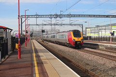 Virgin class 221 (matty10120) Tags: class railway rail travel transport nuneaton 221