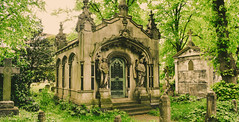 Forever home (DreamEstel) Tags: bromptoncemetery cemetery graveyard mausoleum green trees spring history nikond3500 nikon tomb architecture