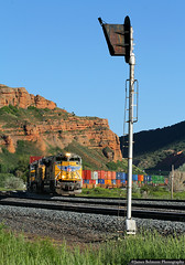 ZDVSC 08 and ABS 9536 (jamesbelmont) Tags: unionpacific zdvsc echo utah signal abs train railroad railway locomotive emd sd70ace intermodal ups