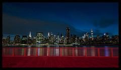 New Yorker Skyline (aus Kiel) Tags: nacht stadt manhattan gebäude architektur new york büro skyline panorama turm skyscraper jahrgang gefiltert amerika stadtlandschaft retro uns reisen orientierungspunkt rivers neu downtown himmel metropole panoramisch anblick wasser financial district