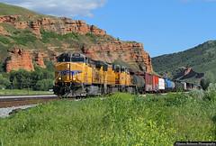 Down the Hill (jamesbelmont) Tags: unionpacific echo utah manifest ge c44accte train railroad railway locomotive