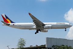 Philippine Airlines - Airbus A330-343 / RP-C8789 @ Manila (Miguel Cenon) Tags: pal pala330 pr pra330 rpll airplane airplanespotting apegroup appgroup airport airbus airbusa330 a330 aircraft a333 airbusa333 ppsg planespotting philippines plane rollsroyce rrtrent trent700 philippineairlines manila nikon naia d3300 fly flying wings widebody widebodyjet wing twinengine sky jet window cockpit rpc8789