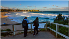 behold! (Soumya Bandyopadhyay) Tags: australia sydney bondibeach pacific ocean sea sunset waves beach tourists wide perspective horizontal landscape canoneos5dmk3 canon1635mmf28lii