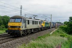 90044 90045 4M27 Red Bank (cmc_1987) Tags: 90044 90045 class90 brel br britishrail freightliner geneseewyoming 4m27 coatbridgeflt daventry