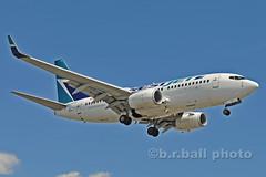 BRB_7923cesn c (b.r.ball) Tags: brball yyz torontopearsoninternationalairport malton aviation jets runway23 cgwsu boeing 7377ct westjet ws436