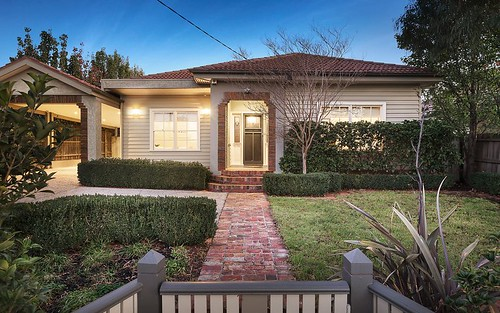 32 Baker Pde, Ashburton VIC 3147