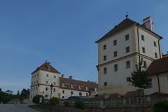 IMGP7792 (hlavaty85) Tags: valtice zámek chateau