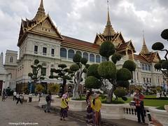 The Grand Palace-Bangkok (hamid-golpesar) Tags: grandpalace grandpalacebangkok palace thailand bangkok building tree people sky landscape owaysee outdoor tabriz travel iran hamid hamidowaysee hamidgolpesar