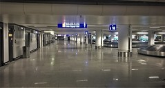 Abandoned Frankfurt airport at 11pm - arrivals (roomman) Tags: 2019 poland germany waw fra eddf epwa aviation transport transportation flight jet lor polish airlines airline travel evening late frankfzrt warsaw splin lin embraer e170 lot terminal 23pm 22pm curfew empty