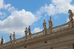 Statues above Saint Peter's Square (bachoberro) Tags: statues rome saintpeterssquare piazzasanpietro roma italy art architecture italia vatican vaticano