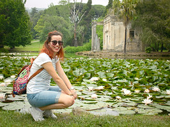 6067 - The countess and the waterlilies (Diego Rosato) Tags: countess contessina arianna ninfea wtare lily acqua stagno pond giardino garden parco park reggia realm royal palace caserta reale fuji x30 rawtherapee