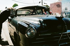classic lady 2 (peaceblaster9) Tags: street downtown classic car people california film bessa voigtlander カリフォルニア ストリート フィルム スナップ写真