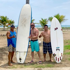 Nan Palmero with Surfing Instructors from Catcha L'Ola (nan palmero) Tags: zihua zihuatanejo mexico visitmexico iphone iphonexs surf surfing palmtrees playalaropa laropabeach surfboard surfschool surfinstruction