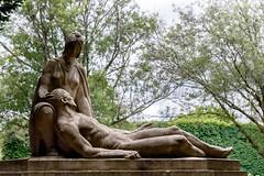 reclinant (mym) Tags: pèrelachaise paris fra cemetery tomb