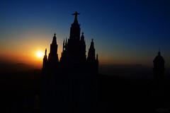 Tibi dabo (vdbdc) Tags: barcelona tibidabo posta de sol puesta sunset backlight contrallum gegenlicht soneneingang