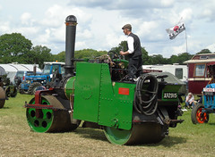 XP2915 2 090619 (stevenjeremy25) Tags: aveling porter roller stoke row traction engine shay gear geared xp2915 7411 tandem