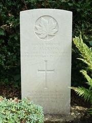 Private Richard Jackson (Living in Dorset) Tags: canadian richardjackson wargrave wardead grave headstone wwi 1919 stjosephschurch grayshott hampshire england uk gb