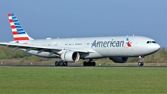 N271AY (AnDyMHoLdEn) Tags: americanairlines 767 oneworld egcc airport manchester manchesterairport 05r