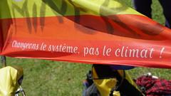 2019-06-15_14-13-32_ILCE-6500_DSC07787 (Miguel Discart (Photos Vrac)) Tags: 2019 49mm belgium bike bru brussels bruxelles bxl cyclonudista e18135mmf3556oss focallength49mm focallengthin35mmformat49mm ilce6500 iso100 manifestation naked nakedbike pancarte ride sign sony sonyilce6500 sonyilce6500e18135mmf3556oss wnbr worldnakedbike worldnakedbikeride