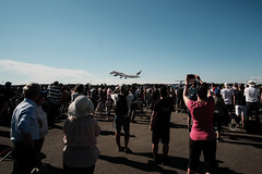 Turku Airshow 2019 - Finnair Airbus A350 and crowd (vihay) Tags: fuji xpro2 turku airshow finnair 2019 airbus a350