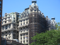 2019 The Ansonia Apartment Building NYC 1622 (Brechtbug) Tags: 2019 the ansonia apartment building now condo upper west side new york city 2109 broadway between 73rd 74th streets built 1899 opened 1904 beaux arts architectural style mansard roof architect paul e m duboy featured 1992 film single white female bridget fonda jennifer jason leigh home pogo cartoonist disney animator walt kelly mobster arnold rothstein athletes jack dempsey babe ruth 06152019 nyc june