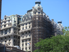 2019 The Ansonia Apartment Building NYC 1621 (Brechtbug) Tags: 2019 the ansonia apartment building now condo upper west side new york city 2109 broadway between 73rd 74th streets built 1899 opened 1904 beaux arts architectural style mansard roof architect paul e m duboy featured 1992 film single white female bridget fonda jennifer jason leigh home pogo cartoonist disney animator walt kelly mobster arnold rothstein athletes jack dempsey babe ruth 06152019 nyc june