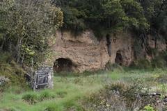 Para resguardarse de la lluvia (esta_ahi) Tags: huesca cobijo olvena somontano somontanodebarbastro aragón spain españa испания