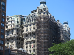 2019 The Ansonia Apartment Building NYC 1620 (Brechtbug) Tags: 2019 the ansonia apartment building now condo upper west side new york city 2109 broadway between 73rd 74th streets built 1899 opened 1904 beaux arts architectural style mansard roof architect paul e m duboy featured 1992 film single white female bridget fonda jennifer jason leigh home pogo cartoonist disney animator walt kelly mobster arnold rothstein athletes jack dempsey babe ruth 06152019 nyc june