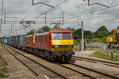 90029 Acton Bridge 14062019 (TheSilkmoth) Tags: 90029 90018 prideofbellshill class90 skoda builtbybrel brsurvivor ews englishwelshscottish db dbschenker dbs dbred doubleheader doubleheaded intermodal boxes containers freight westcoastmainline wcml 4m25 0606mossendeuroterminaltodaventryintrftreceprfd actonbridge cheshirerailways