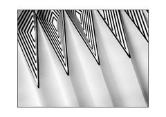sunday pattern (Armin Fuchs) Tags: arminfuchs pattern diagonal abstract huawei smartphone lamp