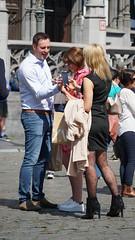 2019-06-15_16-19-00_ILCE-6500_DSC08315 (Miguel Discart (Photos Vrac)) Tags: 2019 202mm candidportrait candide candideportrait divers e18135mmf3556oss focallength202mm focallengthin35mmformat202mm ilce6500 iso100 photoderue photography sony sonyilce6500 sonyilce6500e18135mmf3556oss street streetphotography