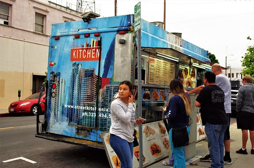 Street Kitchen - Food Truck