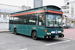 Kobe City Bus 647 (Howard_Pulling) Tags: kobe bus buses japan japanese