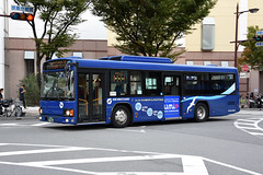 Kobe Minato Kanko 26-79 (Howard_Pulling) Tags: kobe bus buses japan japanese