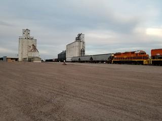 Goodland, KS Trains leaving Elevators