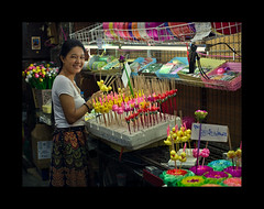 Loy Kratong preparation (Antoine - Bkk) Tags: market thailand bangkok atmosphere street explore loy kratong