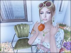 - Flowers & Apples - (Nina DiLeonardi) Tags: vintagefair palegirlproductions