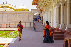 DSC05466.jpg (jmarnaud) Tags: india 2019 family spring agra red fort old building people architecture moghol