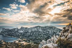 Calanques de Marseille (Lilian Mérico) Tags: calques soleil sun rayon mer sea